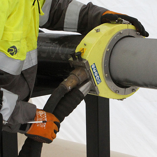 Vacuum blasting of pipe for TandT Group